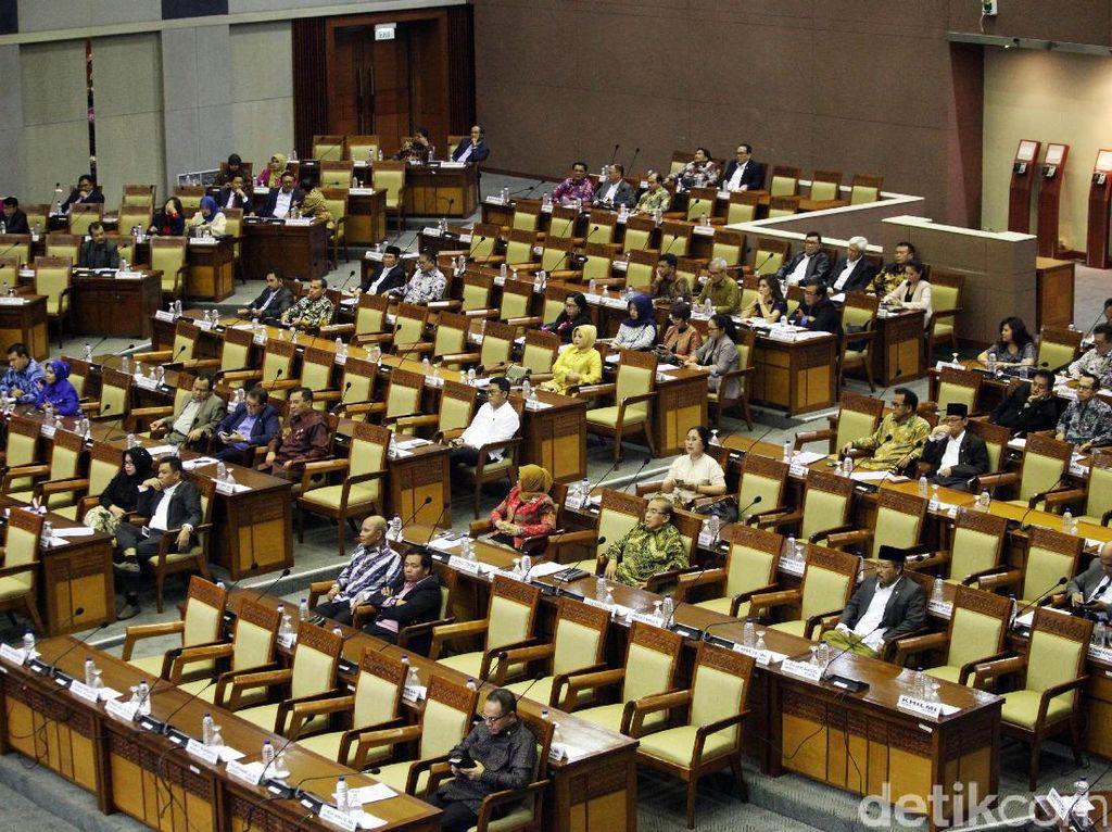 Rapat Paripurna DPR Bahas UU MD3 dan UU ASN