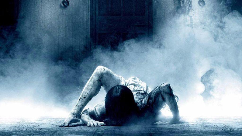 Hantu di Film 'Rings' Takuti Pengunjung Toko Elektronik