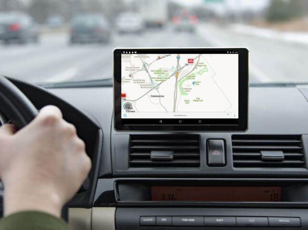 Begini Cara Baca GPS yang Aman Saat Berkendara