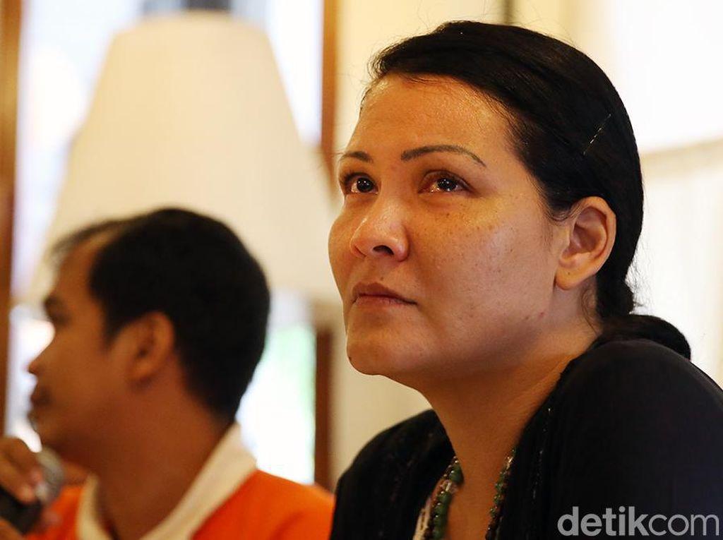 Melanie Subono Sentil Video Pilot Vincent di Lokasi Tragedi