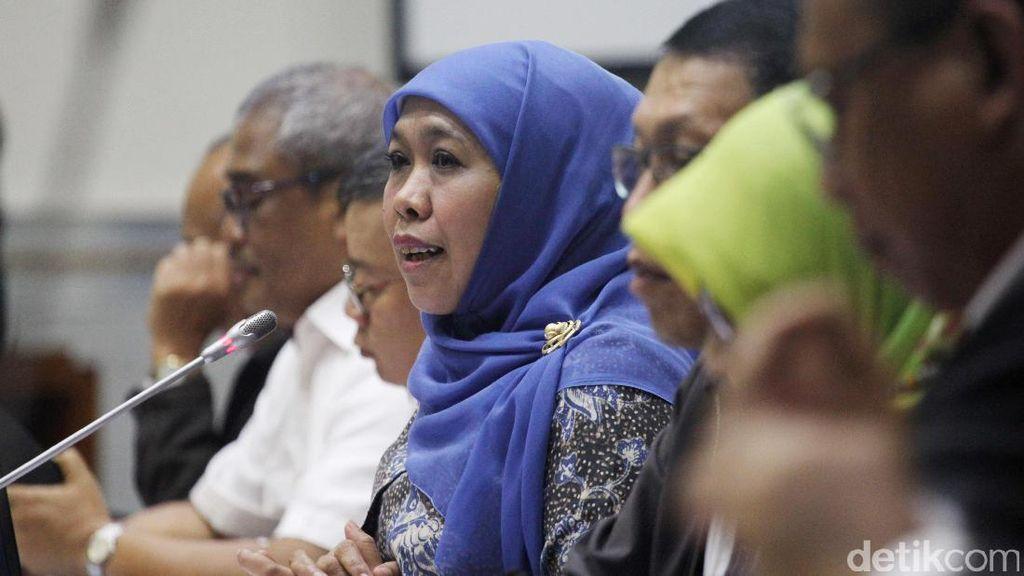Rapat Kerja Mensos Khofifah Dengan Komisi VIII
