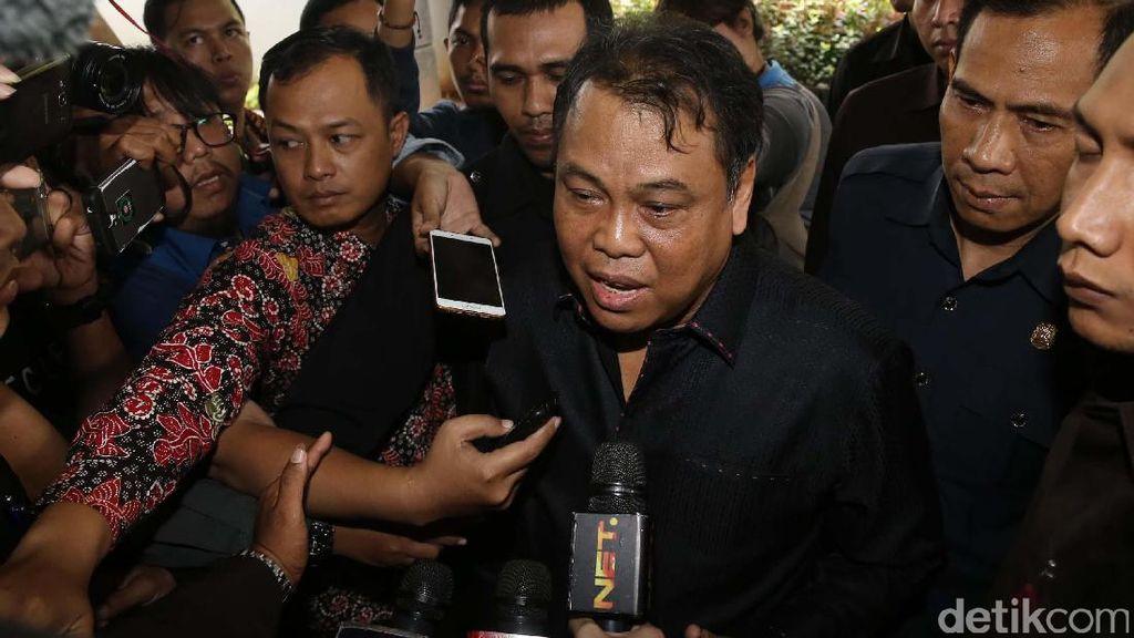 Patrialis Ditangkap KPK, Ketua MK Minta Maaf