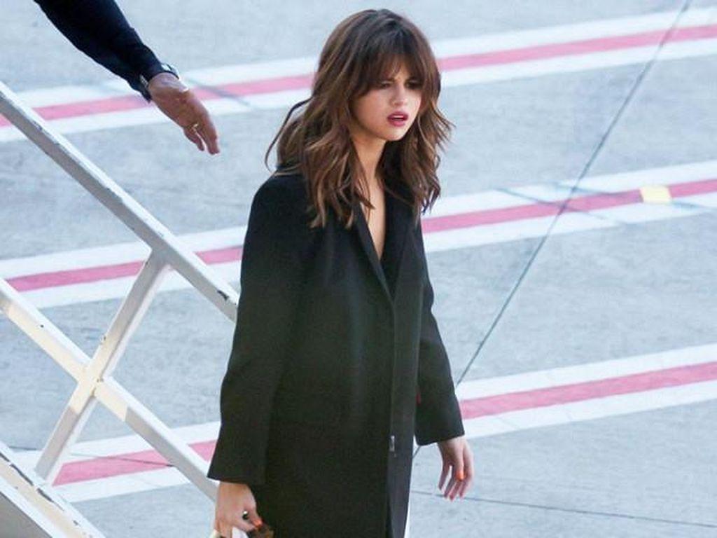 Jalani Karantina, Selena Gomez Curhat Rindu Seseorang