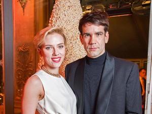 Dikabarkan Cerai, Scarlett Johansson dan Suami Muncul Bersama