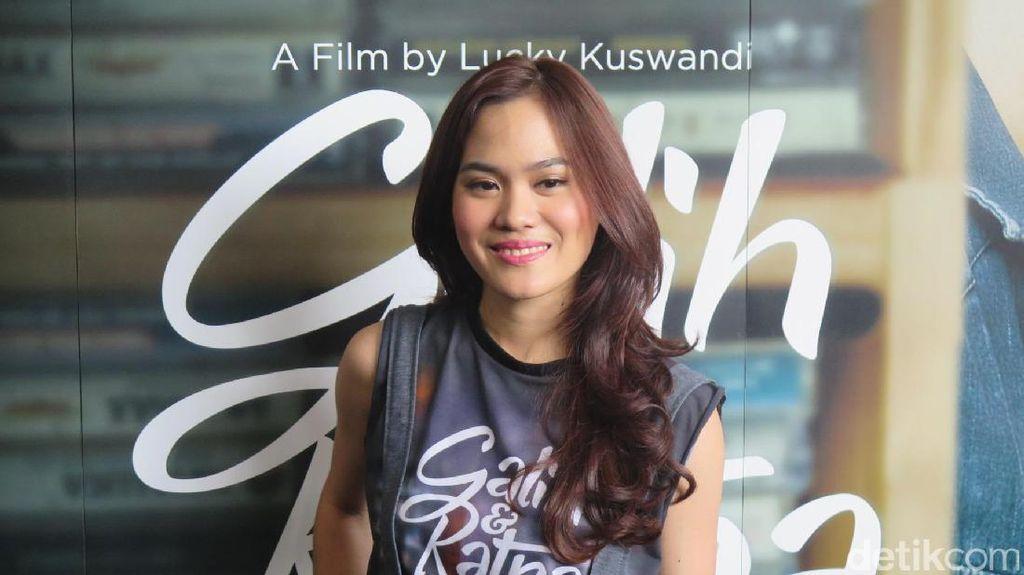 Sheryl Sheinafia Akui Tidak Bisa Gantikan Yessy Gusman di Film Galih & Ratna