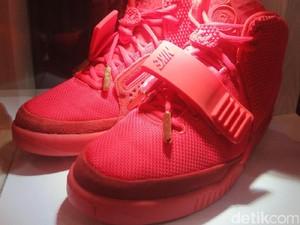 Menengok Sneakers Nike Air Yeezy 2 Rp 75 Juta di Jakarta Sneaker Day