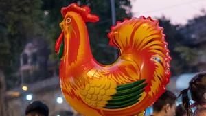 <I>Starting XI</I> Pesepakbola dengan Shio Ayam