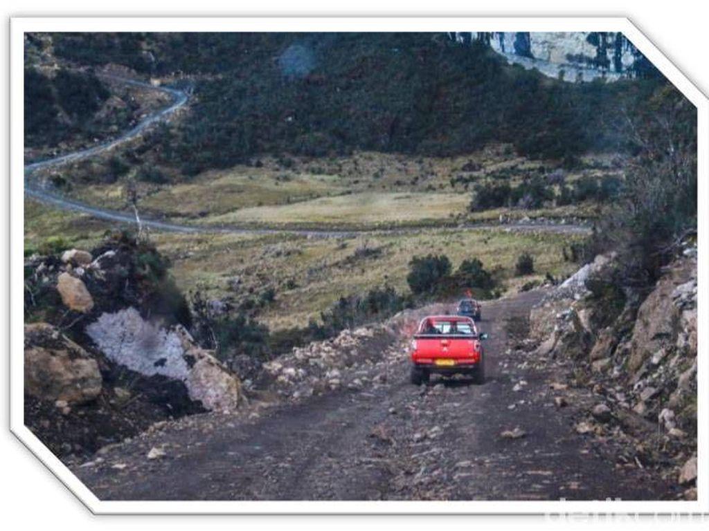 Gebrakan Jokowi, 3.963 Km Jalan Trans Papua Tersambung Tahun Ini