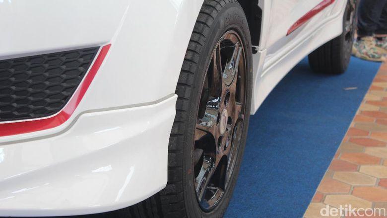 Aneka Mobil Modifikasi Hiasi Autopro 2017  Menyediakan Rental Mobil