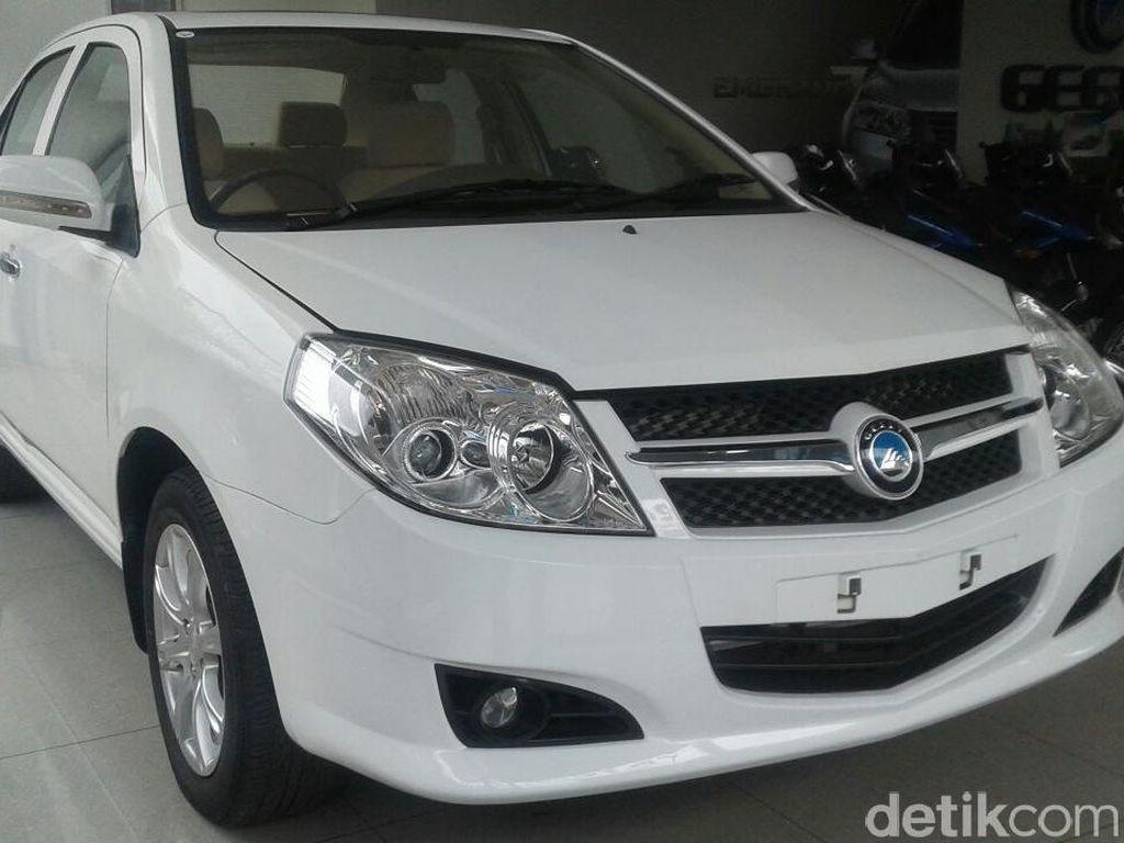Mobil China Pergi dan Kembali