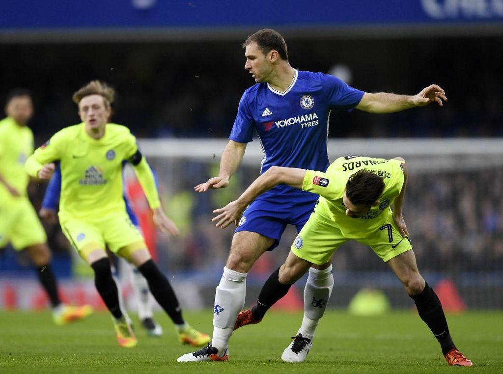 Bagaimana Masa Depan Ivanovic di Chelsea? Ini Kata Conte