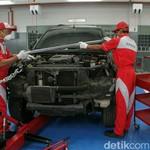 Ini Alat untuk Perbaiki Sasis Mobil yang Miring Gara-gara Tabrakan
