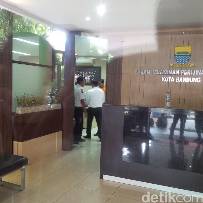 Polisi Kembali Geledah Kantor Dinas Penanaman Modal Kota