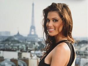 Mengintip Instagram Si Cantik Miss Universe 2016
