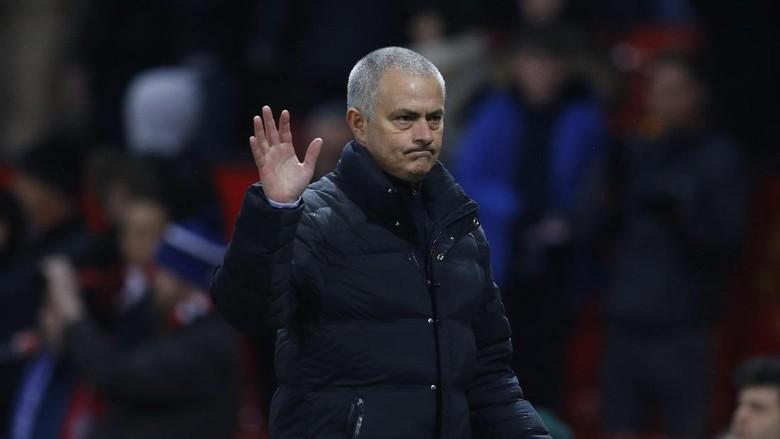 Mourinho Tak Akan Main-Main di Piala FA