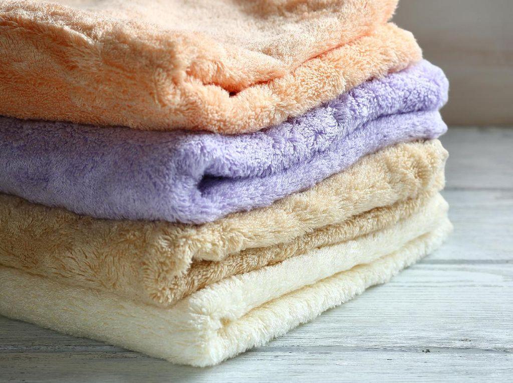 Ini Akibatnya Jika Kamu Tak Rajin Mencuci Handuk