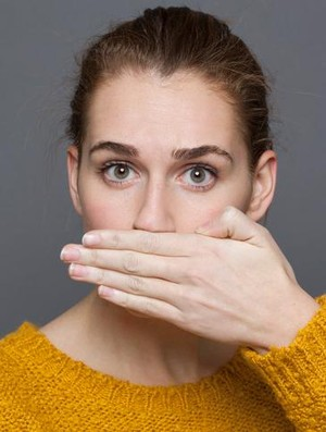 8 Cara Jitu Hilangkan Bau Mulut Karena Jengkol dan Petai