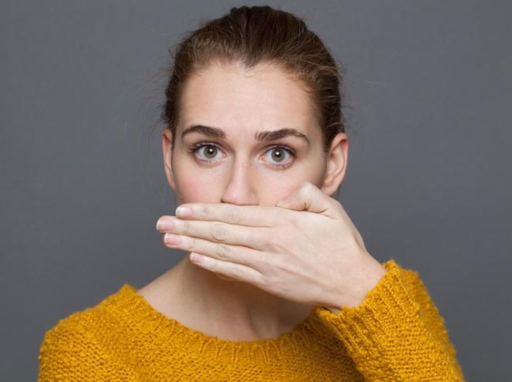 5 Cara Jitu Basmi Bau Mulut saat Puasa