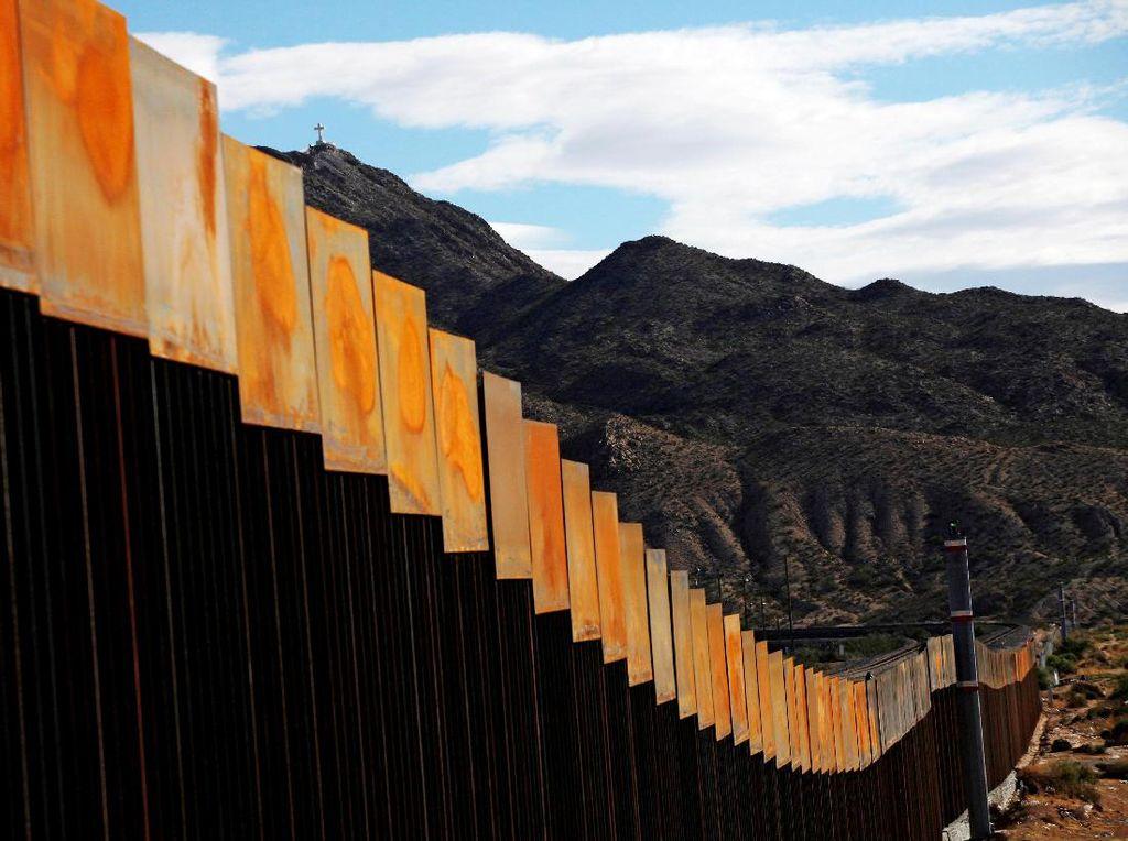 Lagi, Pentagon Kucurkan Rp 21 T untuk Bangun Tembok Perbatasan AS-Meksiko