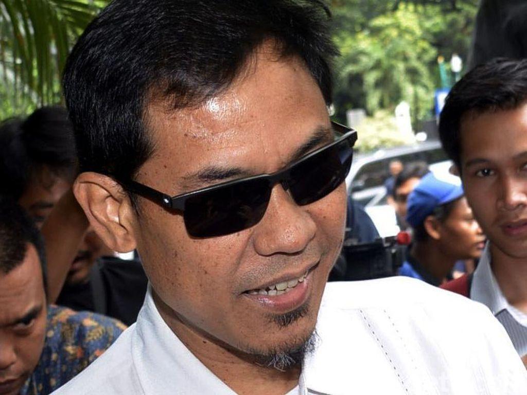FPI Ngaku Tak Kenal Pria Penuh Batu Akik di Bogor yang Hina Jokowi