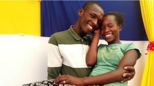 Menikah dengan Biaya Rp13.000, Pasangan Kenya Hujan Pujian