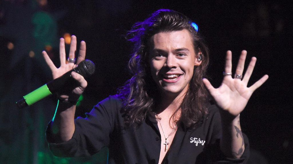 Perilisan Teaser Klip Sign of the Times Harry Styles Jadi Trending Topic Dunia