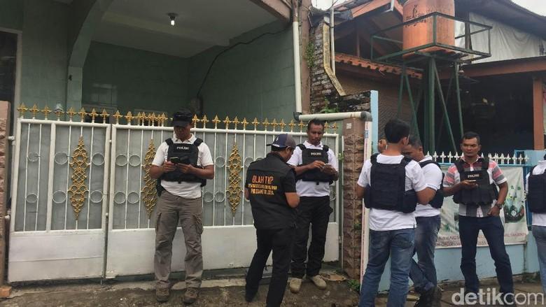 Polisi akan Cocokkan Barang Bukti dari Rumah Firza dengan Foto