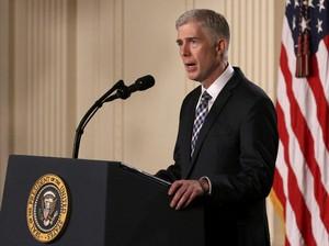 Trump Calonkan Neil Gorsuch sebagai Hakim Mahkamah Agung AS