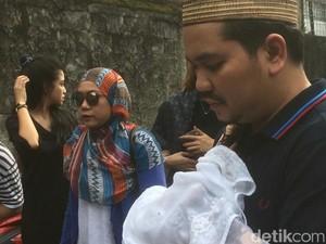 Anak Ketiganya Meninggal Dunia, Istri Indra Bekti Masih Syok