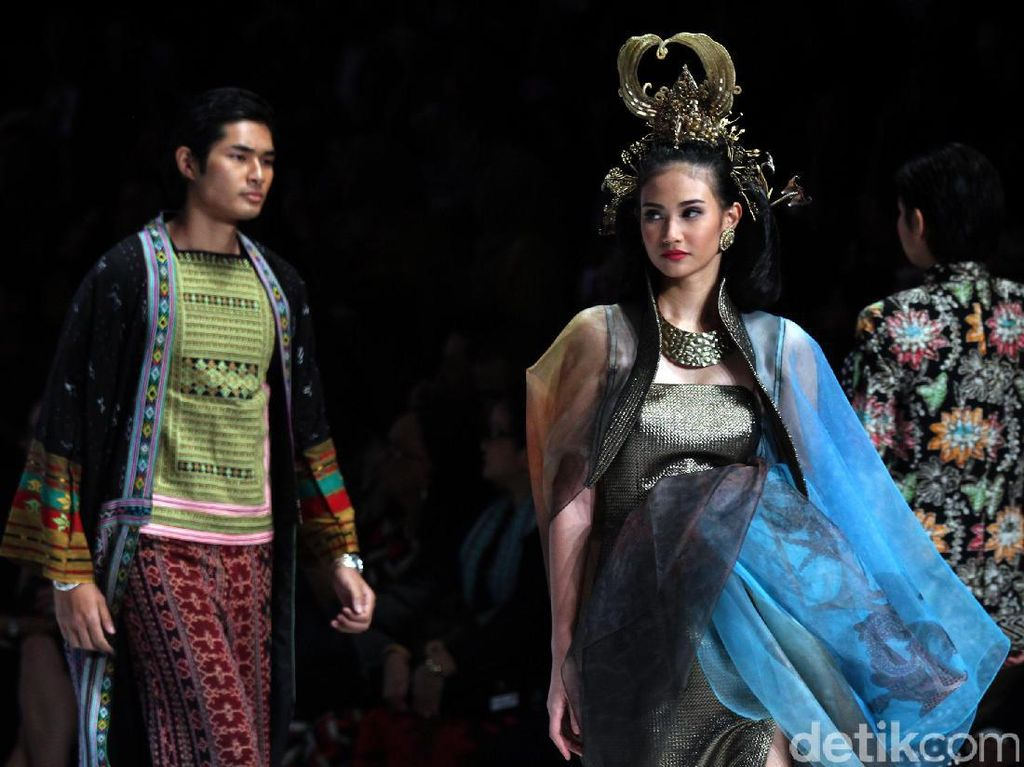 Indonesia Fashion Week 2018 Siap Digelar Maret, Bawa Mode ke Pasar Online