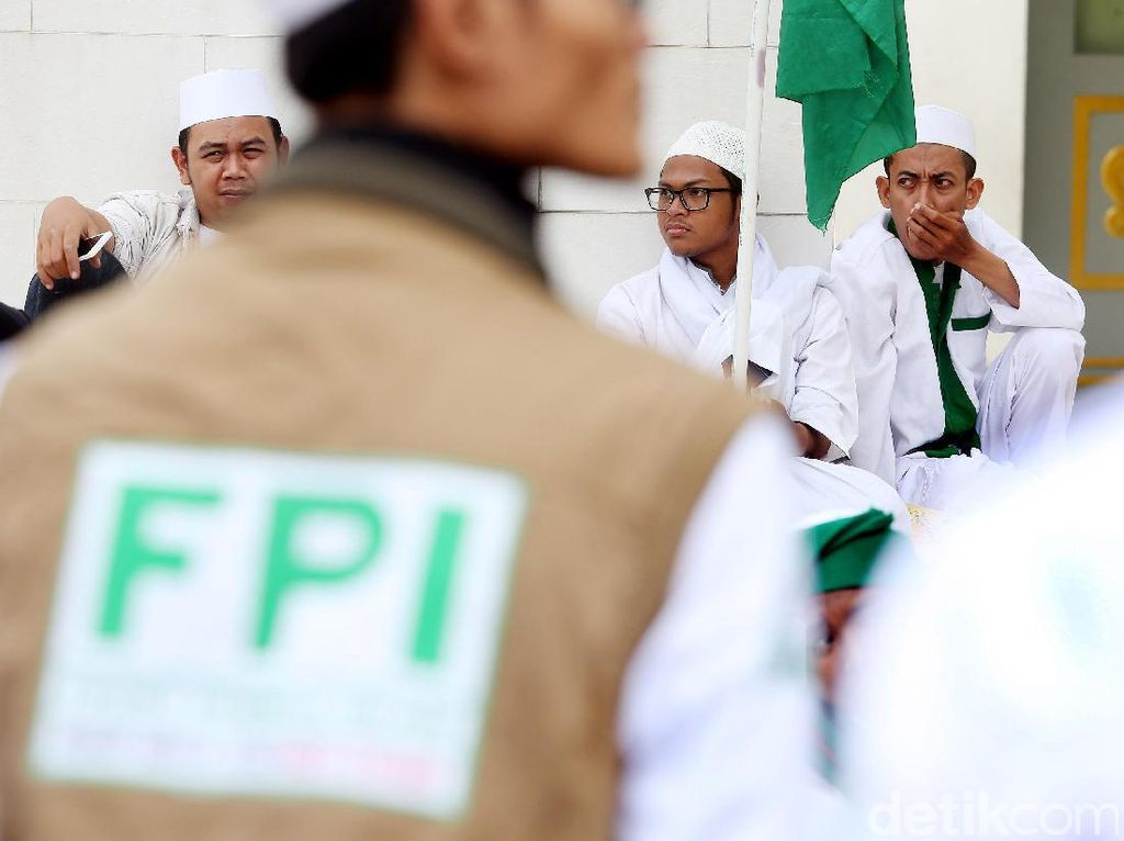 Buntut Dilarang di Indonesia Kini Rekening FPI Diblokir Sementara