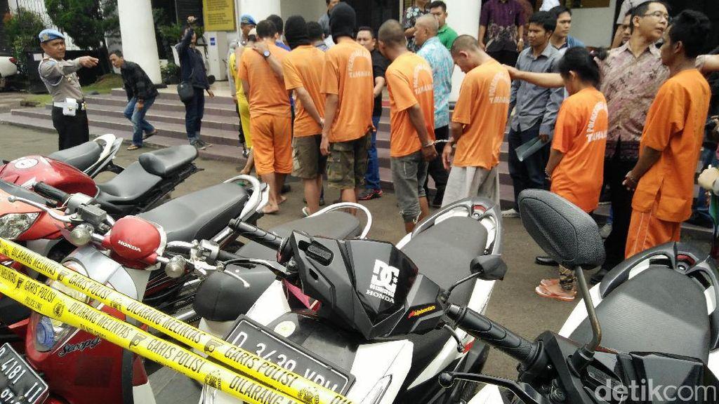 Polisi Jaring 19 Pencuri Sepeda Motor di Bandung