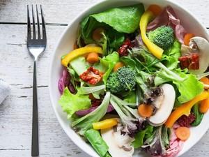 Salad Juga Baik Dikonsumsi Saat Sahur atau Sarapan
