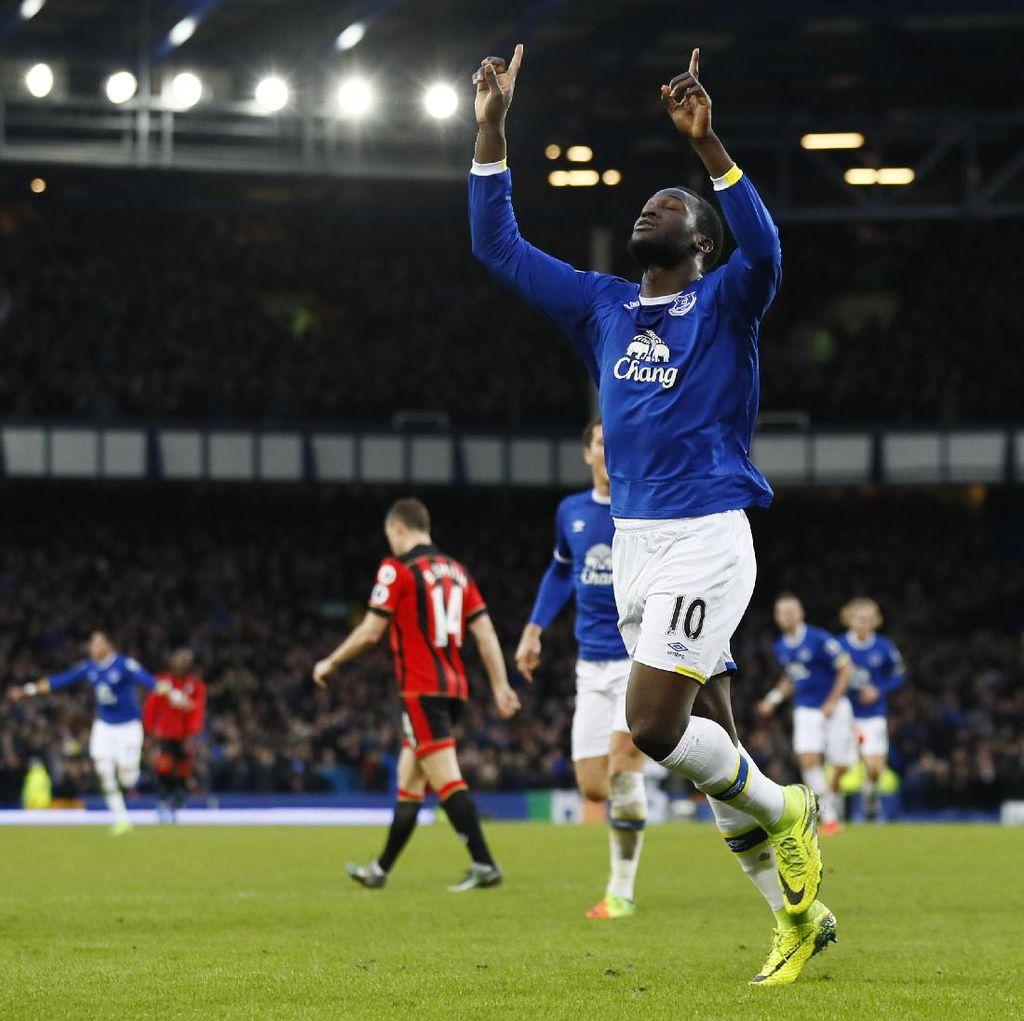 Everton Ingin Pertahankan Lukaku Semusim Lagi