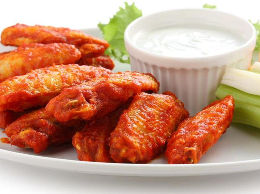 Restoran Ini Hanya Punya Menu Chicken Wings, Tapi Bikin Orang Bingung