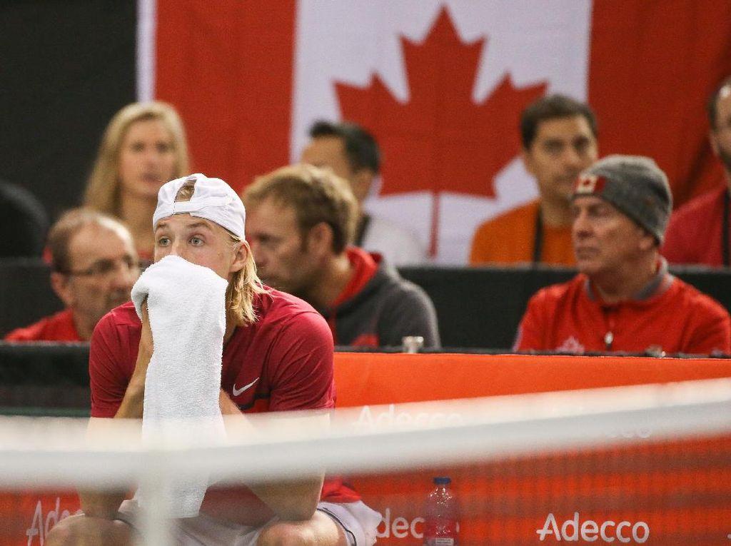 Bola Pukulannya Kena Umpire, Petenis Ini Didiskualifikasi dan Buat Kanada Tersingkir