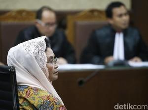 Bacakan Eksepsi, Mantan Menkes Siti Fadilah Menangis