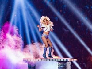 Masih Tur, Lady Gaga Sudah Siapkan Album Keenam