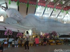 Udon Thani Punya Patung Buddha Tidur Raksasa dari Marmer