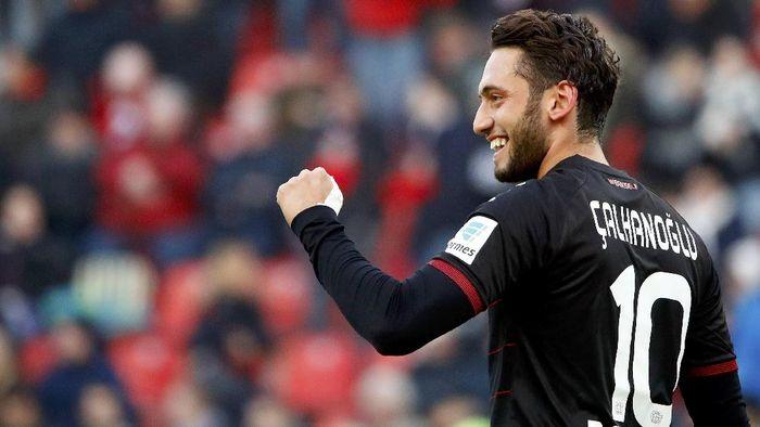 Hakan Calhanoglu, salah satu pemain baru AC Milan (Foto: REUTERS/Wolfgang Rattay)
