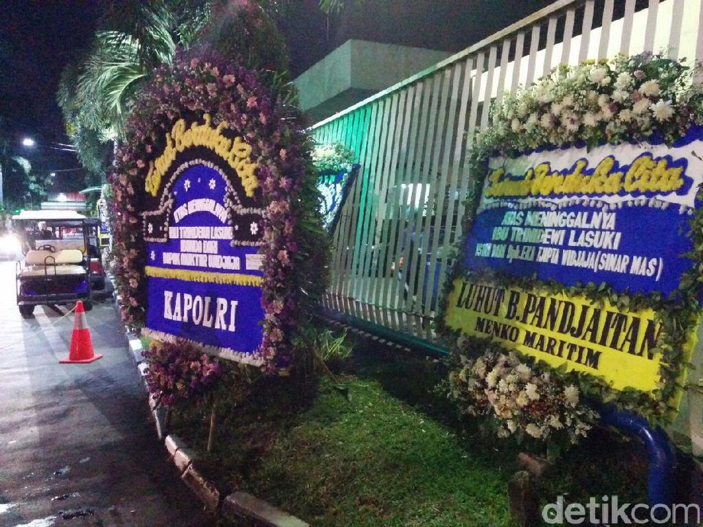 Para Menteri Kirim Karangan Bunga untuk Istri Pemilik Sinar Mas