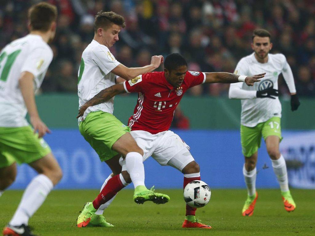 Gol Tunggal Douglas Costa Loloskan Bayern ke Perempatfinal