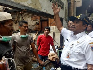 Plt Gubernur DKI Datangi Korban Kebakaran di Jakpus