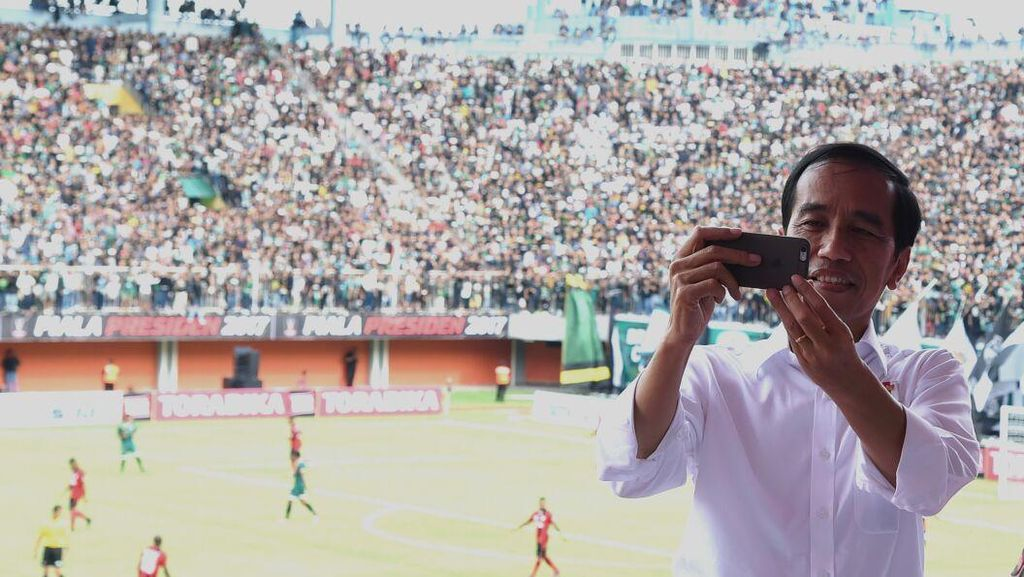 Jokowi Tonton Langsung Final Piala Presiden