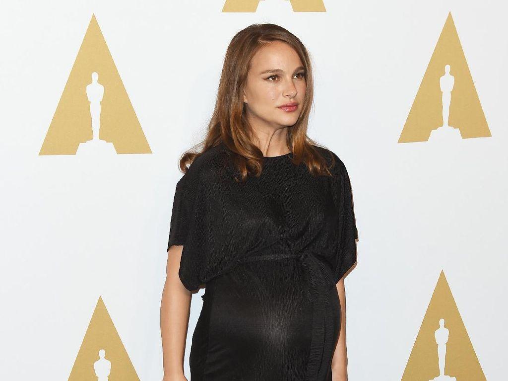 Tampil di Karpet Merah, Natalie Portman Pakai Gaun Topshop Rp 900 Ribu