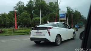 Spyshot Toyota Prius di Jakarta