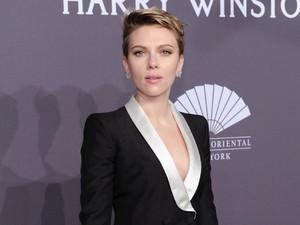 Dikabarkan Rujuk, Scarlett Johansson Kok <i>Nggak</i> Pakai Cincin Kawin?