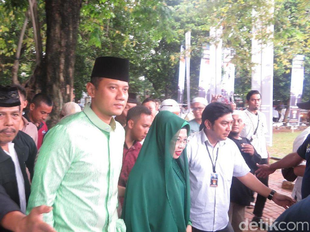Agus Yudhoyono Pertanyakan Larangan Kegiatan Agama di Monas