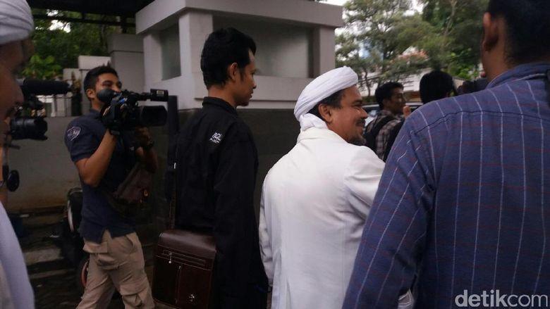 Habib Rizieq dan Bachtiar Nasir Sambangi Rumah Dinas Wiranto