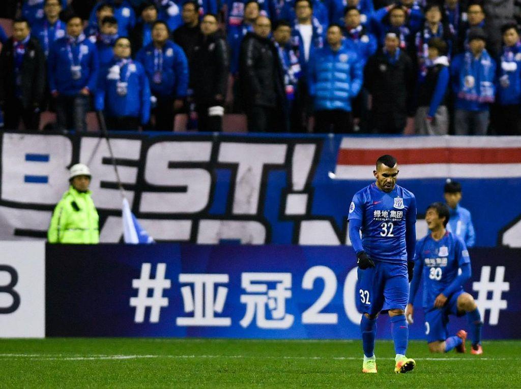 Digaji Tinggi, Tevez Gagal Bawa Shenhua ke Liga Champions Asia